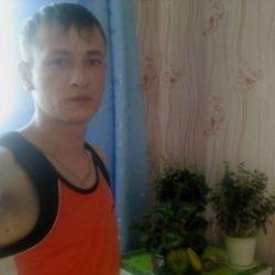 Молодой парень ищет девушку в Липецке для жарких свиданий